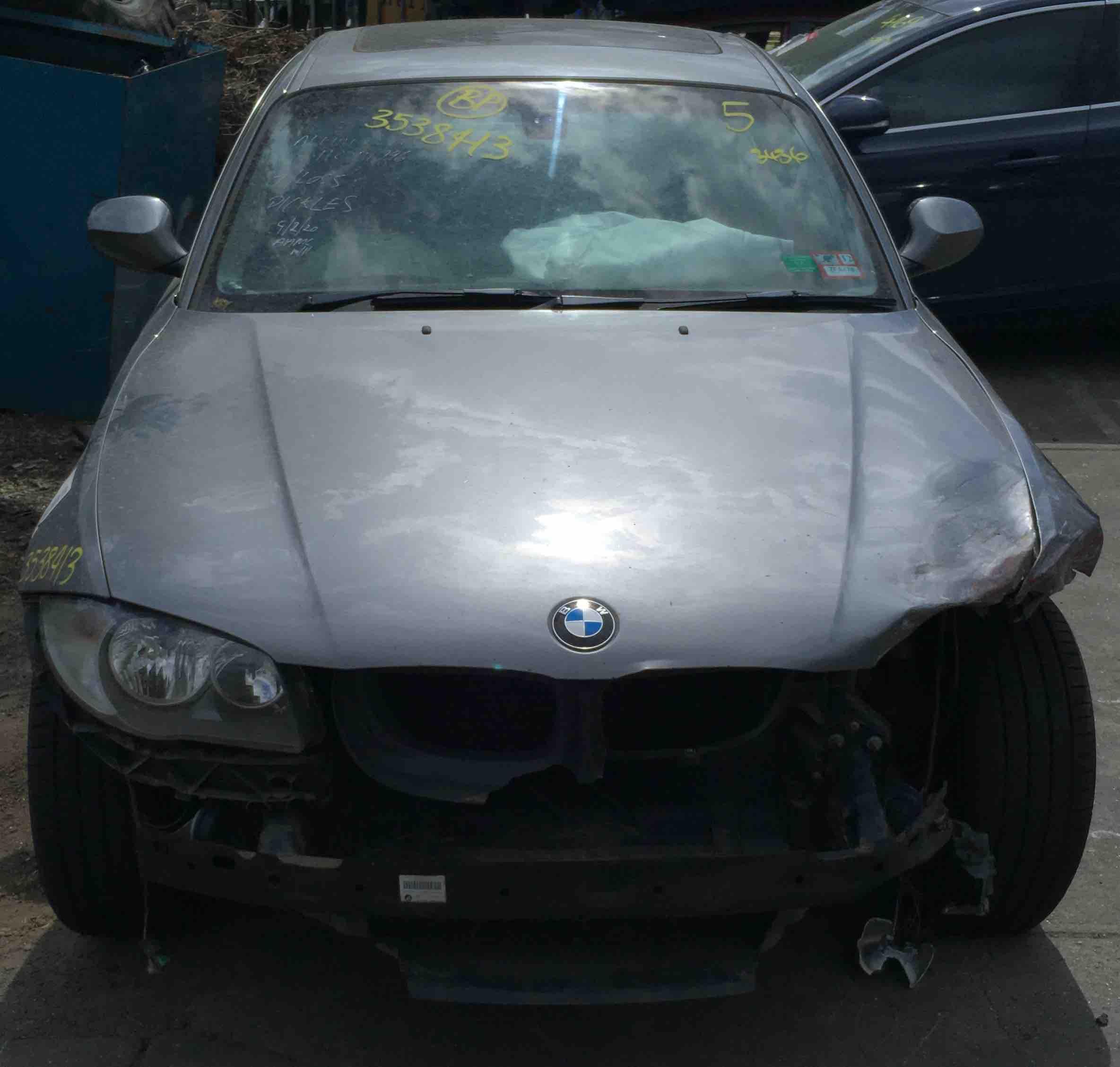 WRECKING BMW E88 123D 2009