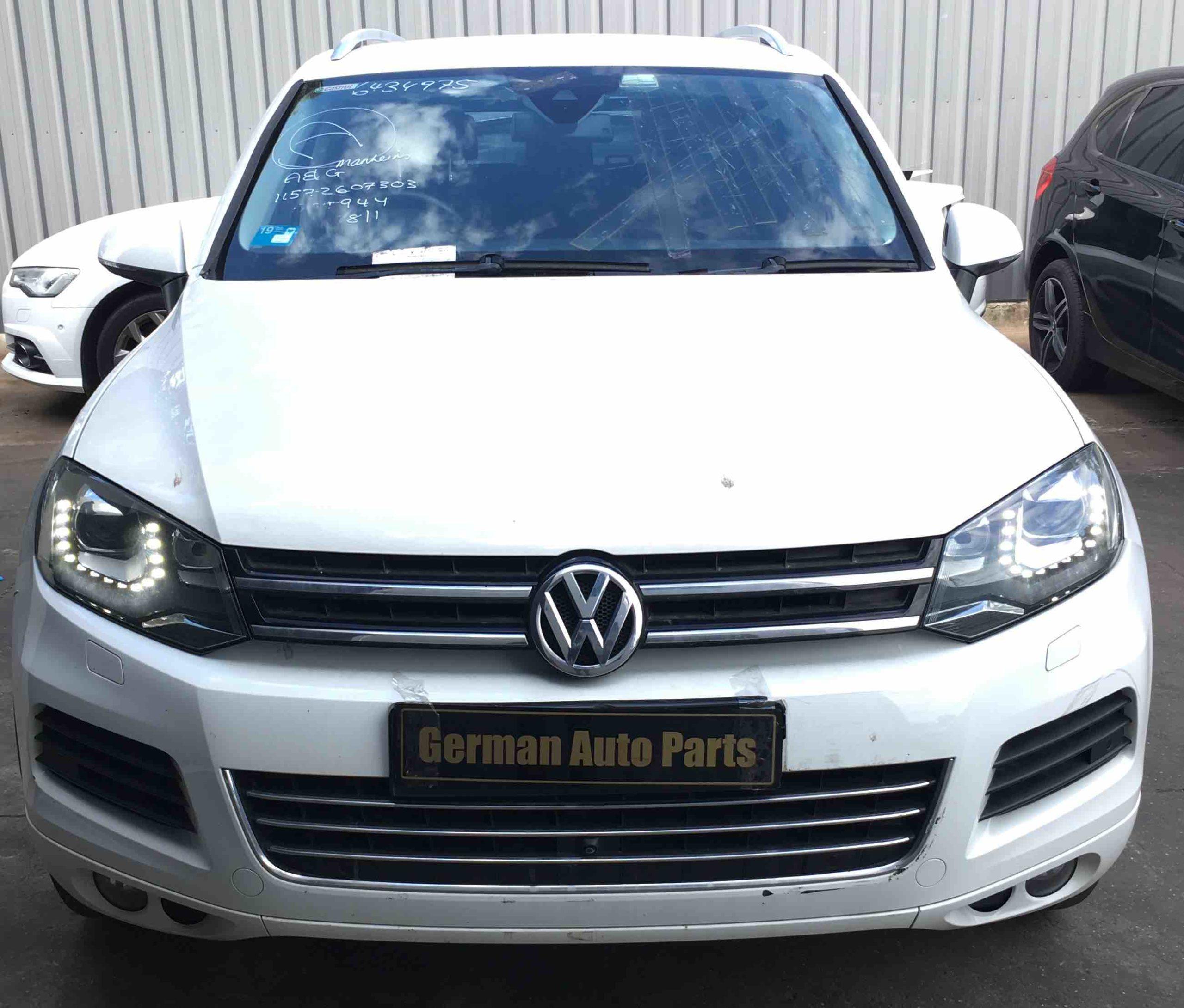 WRECKNG VW TOUAREG 2012